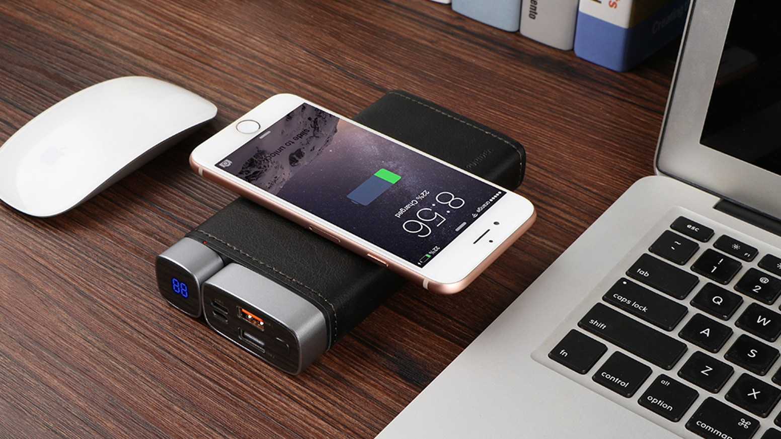 Portable 15000mAh type-C wireless power bank for business trip, not only for mobile devices, but also can works with MacBook very well