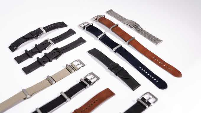 The different straps to individualize your watch.