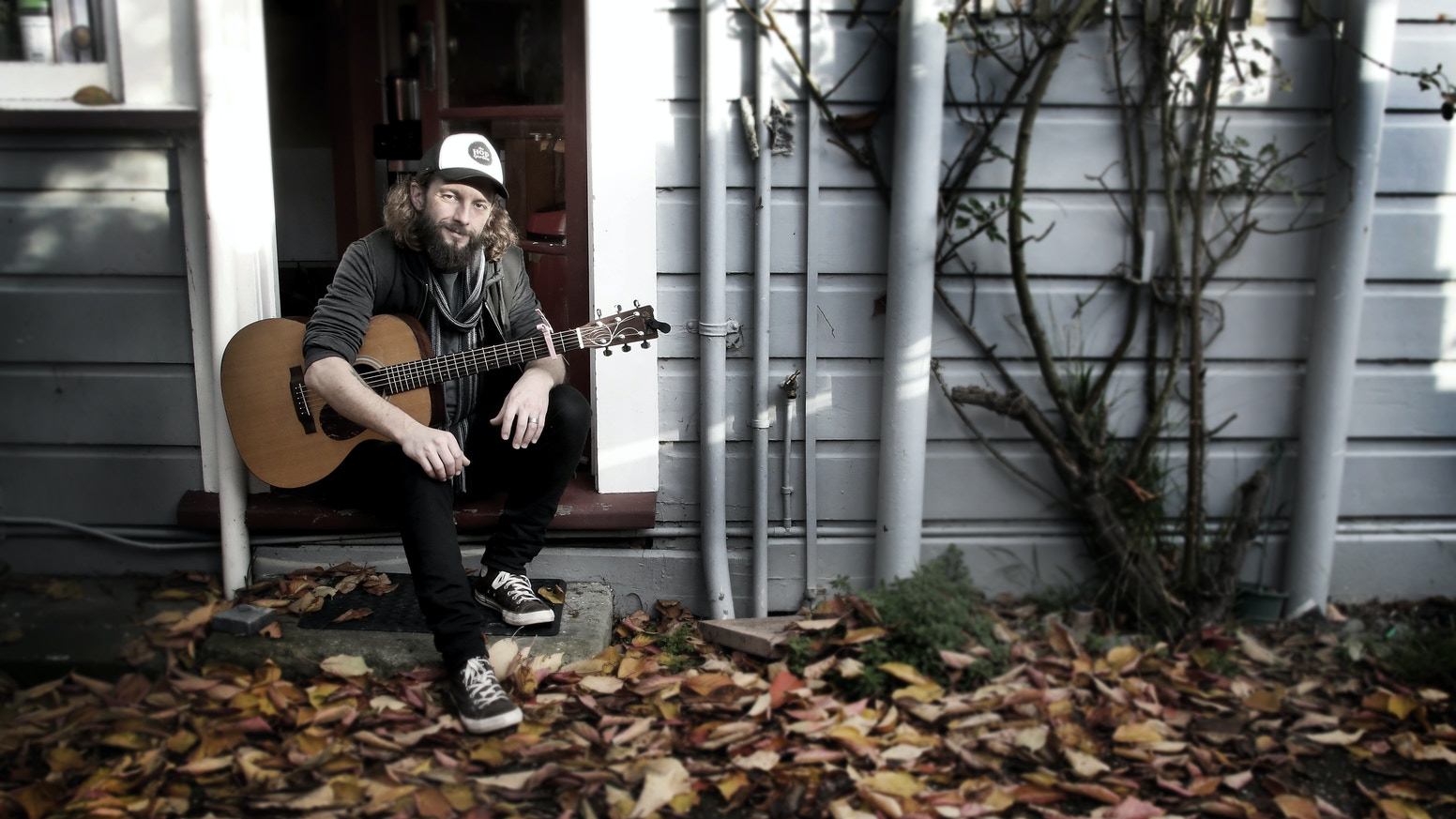 New Zealand Songwriter, Bill Hickman's album - 'Crossbones