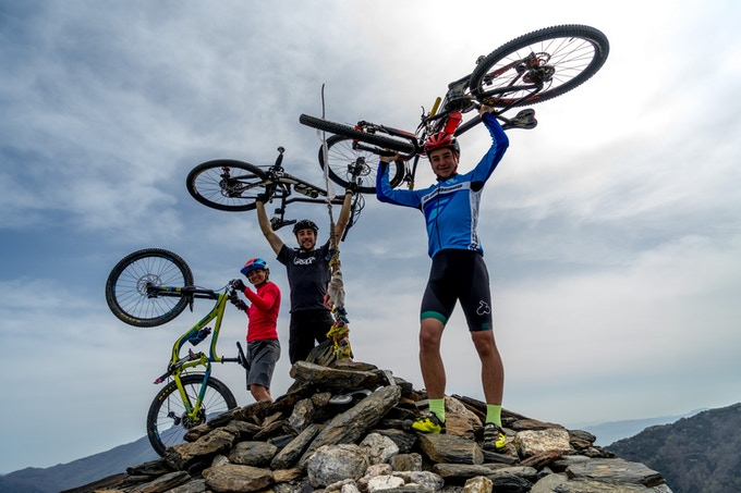 Wanna go to the highest mountain with your family, friends, couple...? #traxmtb brings you closer to that!