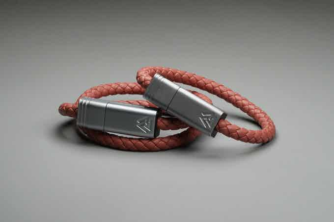 Dusty Rose // Matte Silver - NILS Solo(Right) | NILS Duo(Left)
