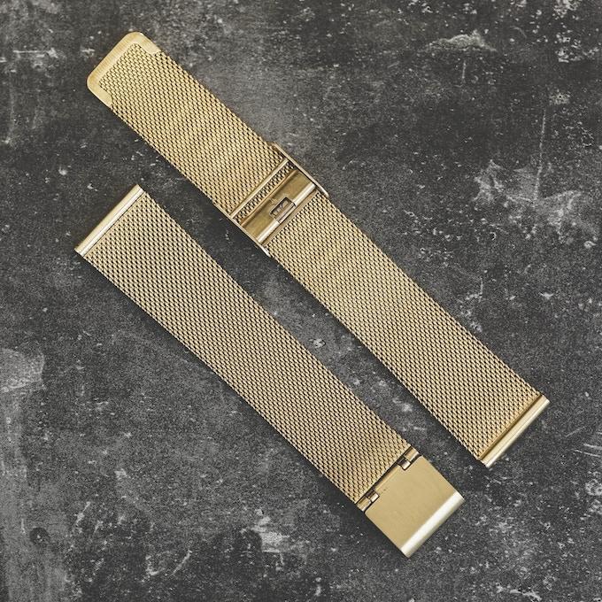 Mesh strap . Gold