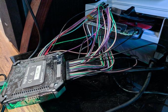 Debugging the Modern Mallard patch board in situ with a logic analyzer