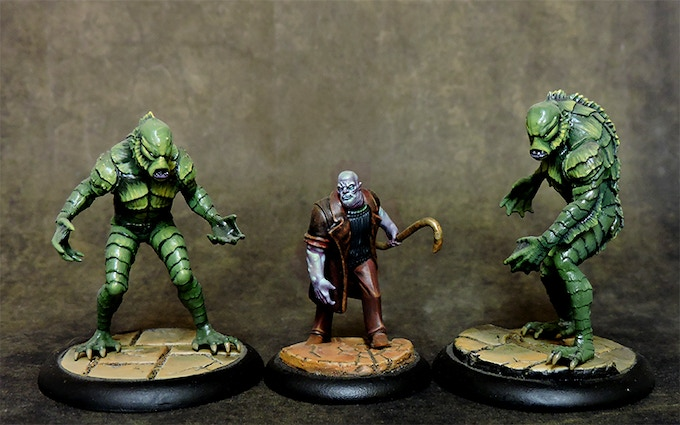 Deep Ones and Hybrid cultist with close combat weapon