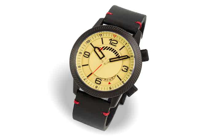 Steel case, sand dial, black strap