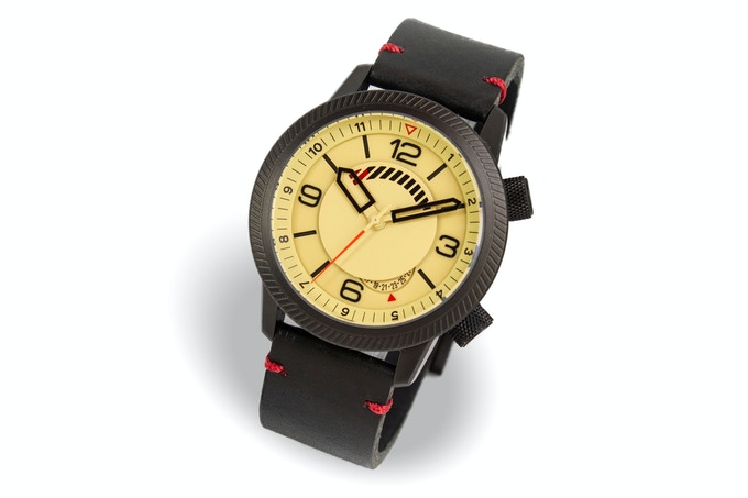 Steel case, sand dial, black strap