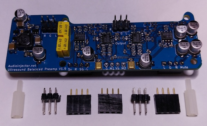 The AC coupled balanced preamp board. This board amplifies the sound card's signal to professional levels. It hosts the two microphones. The preamp and the accessories will also be delivered.