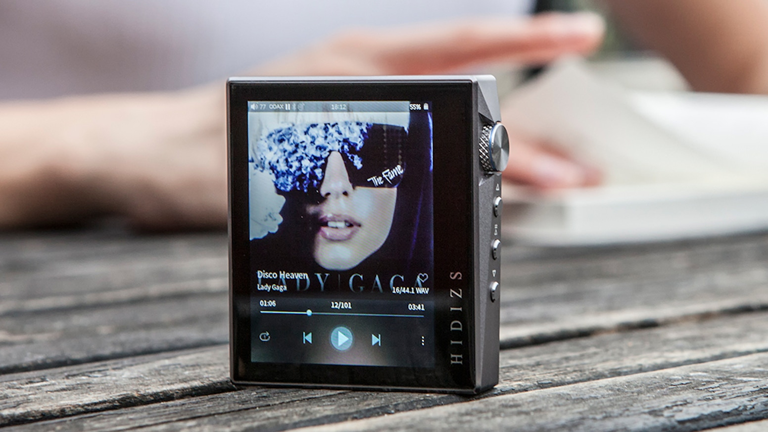 Features Full Touch Screen, HiBy OS, AptX, ES9218P DAC, FM, Step Count and New Wheel Design. Enjoy Hi-Fi Music Wherever You Are.