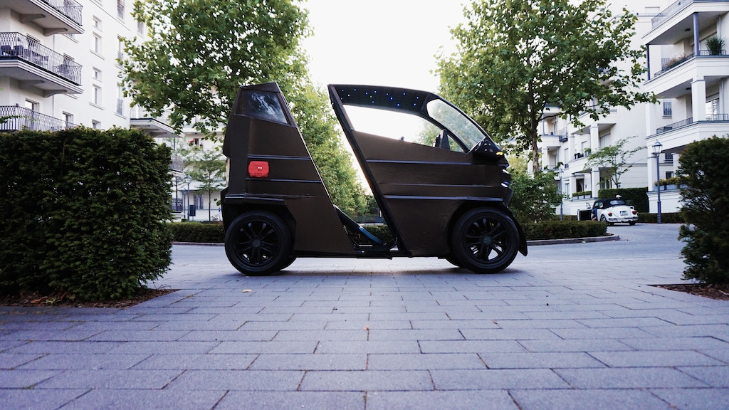 iEV X - A Vehicle that changes size based on your needs