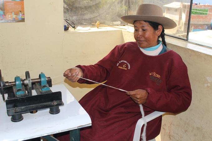 Sabina handspinning Frisenvang yarn