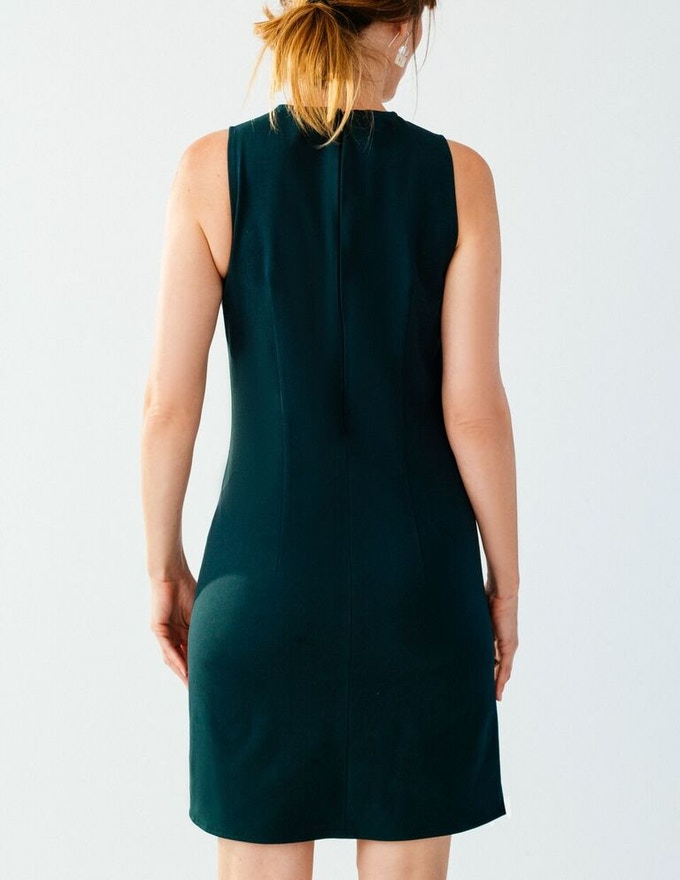 Ellice Ruiz | Emmalee wearing the Treanna Dress in Emerald