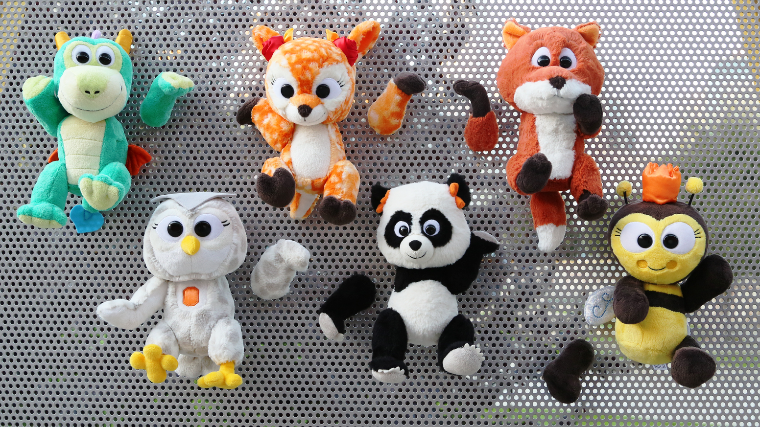 Make thousands of magnetic plush combos with 6 new Storytale Forest Animoodles. Created by former artists from Apple, Disney and Pixar.