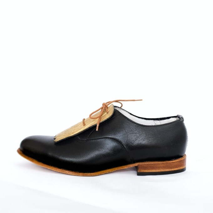 NYFW Oxfords, available in ivory and black with removeable gold detailing.