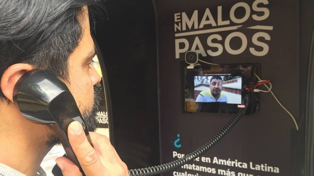 Cabina En Malos Pasos | Interactive booth for journalism project video thumbnail