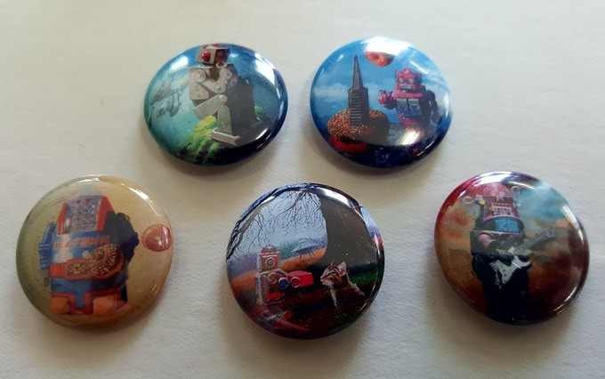 Close-up of buttons (images may vary)