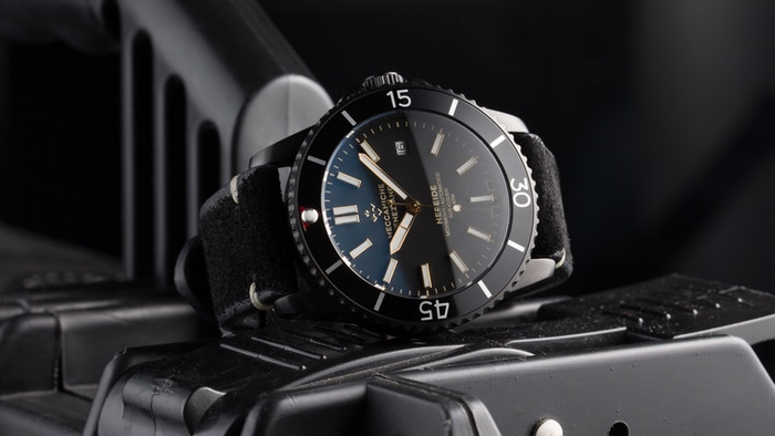 The name of the watch is a tribute to the Venetian submarine called Nereide which was built in the Royal Arsenale in 1913 (Italy)