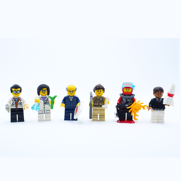 Asian Scientist Junior LEGO minifigures