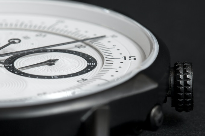 Dual layer dial for more depth and three dimensional detail.