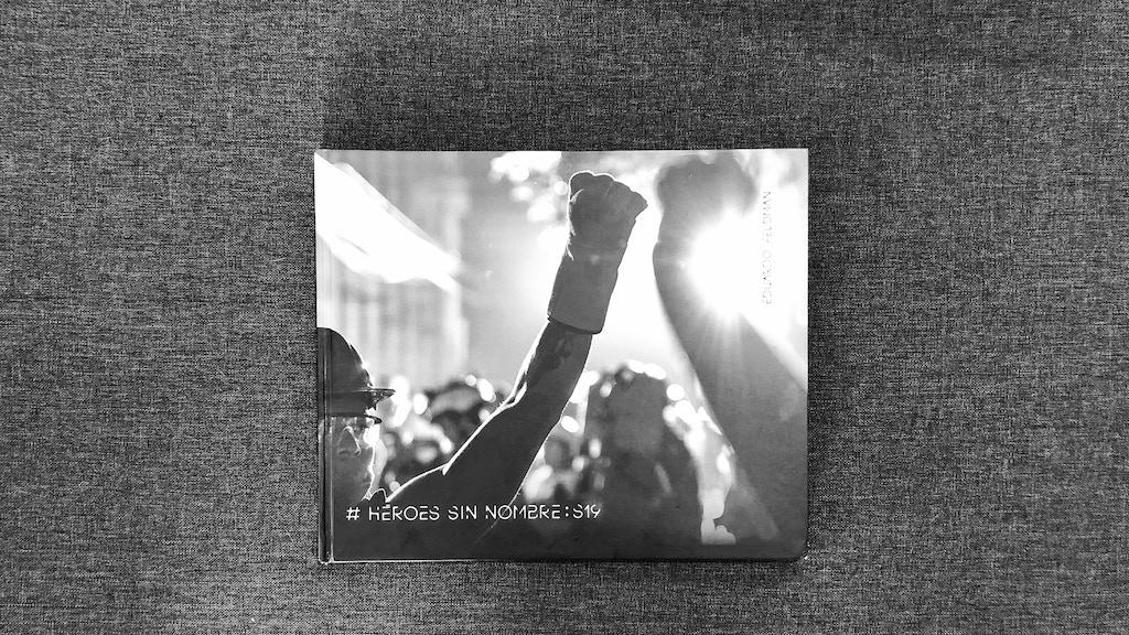 Libro Héroes Sin Nombre. Homenaje a los voluntarios del 19S project video thumbnail