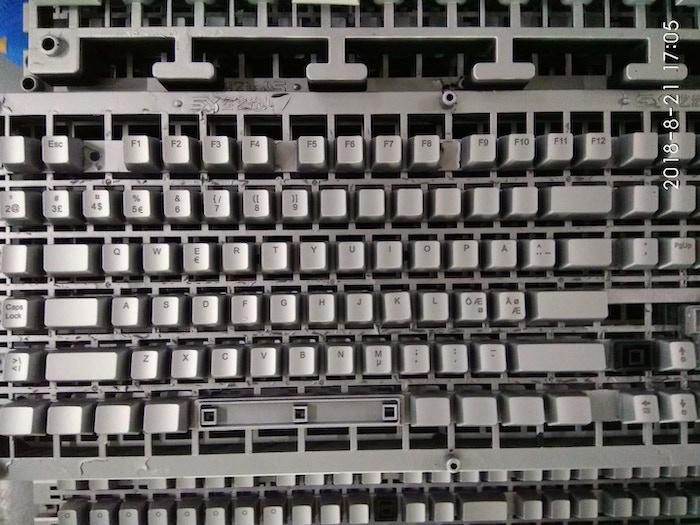 X-Bows Mechanical Ergonomic Keyboard by Chris Fleguel » Apple