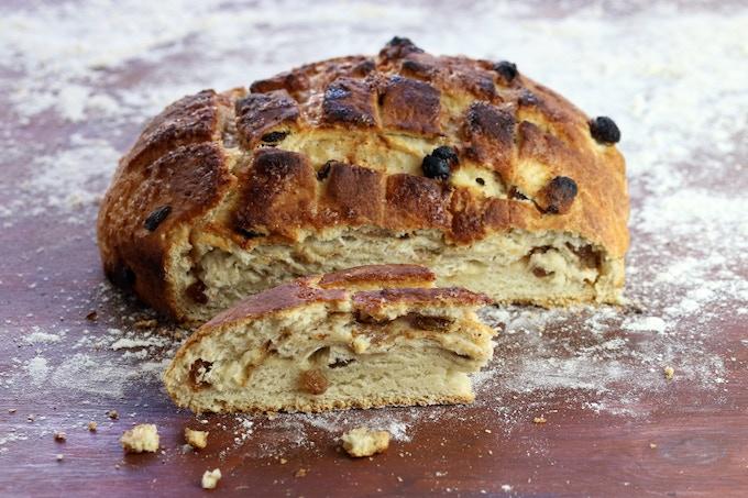 Ambasha - sweet bread