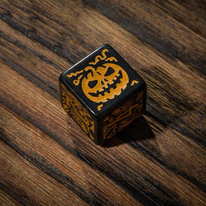 Halloween dice - detail