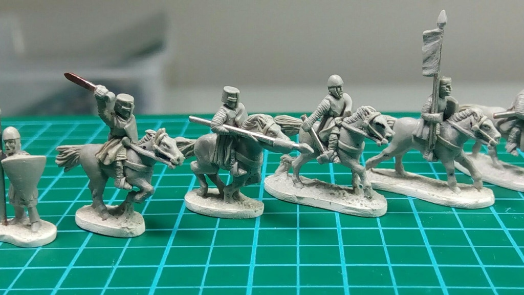Highly detailed 13th Century Baronial Wars English 10mm Medieval Wargames MIniatures, molded then cast in high quality pewter.