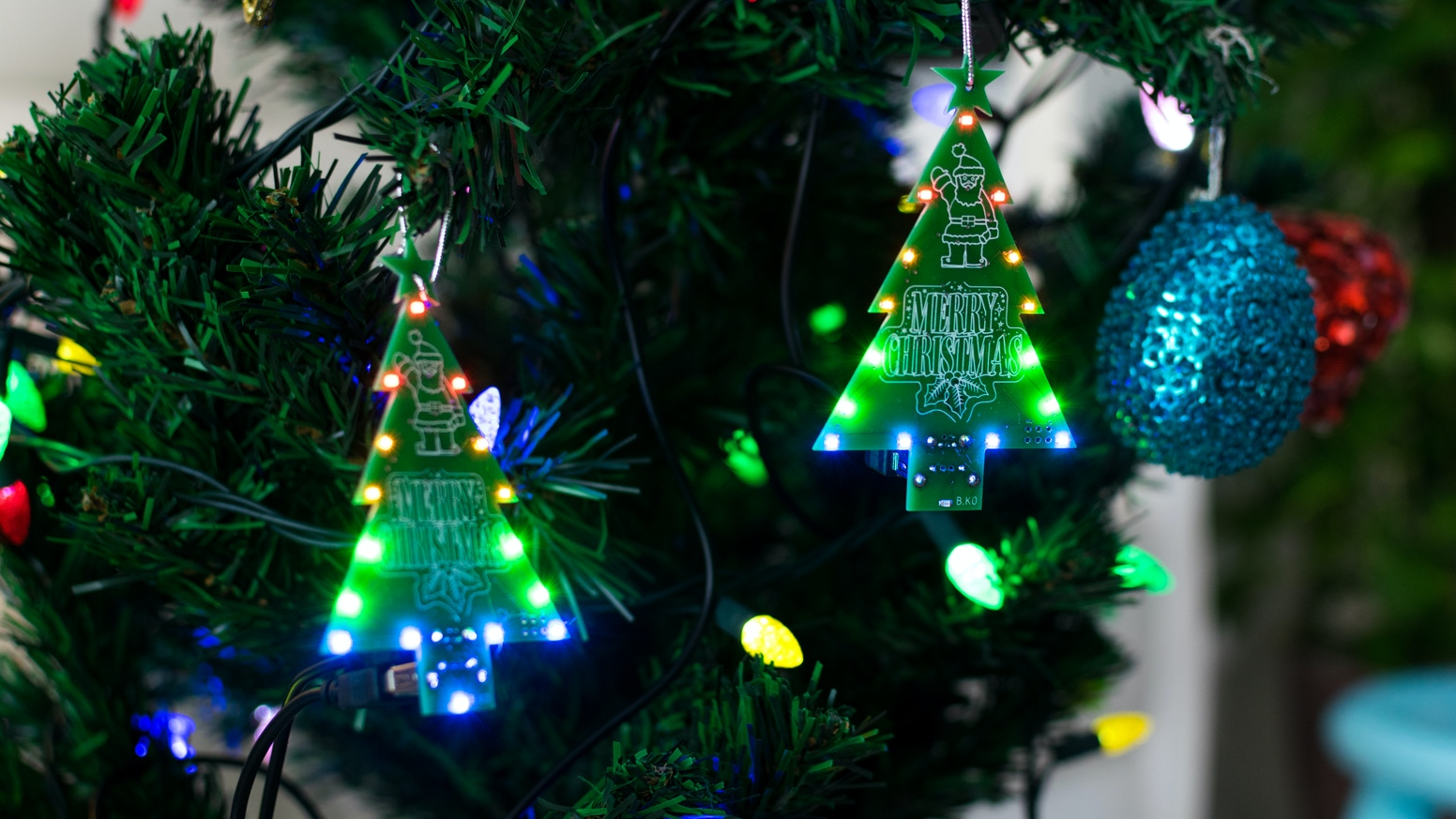 leds animated christmas tree assembled or diy - Animated Christmas Trees