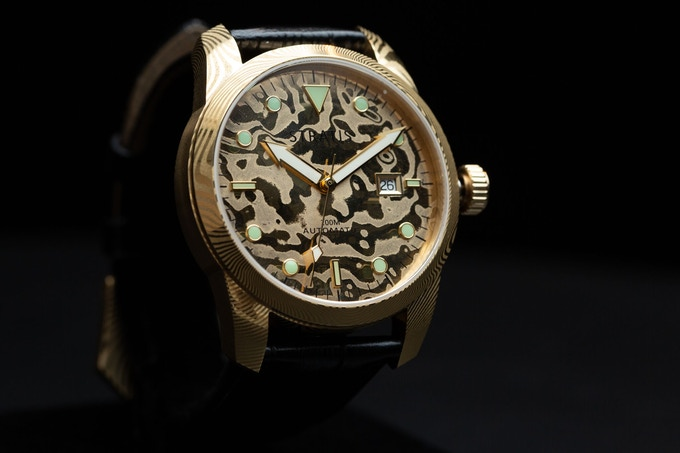 Gold Damascus