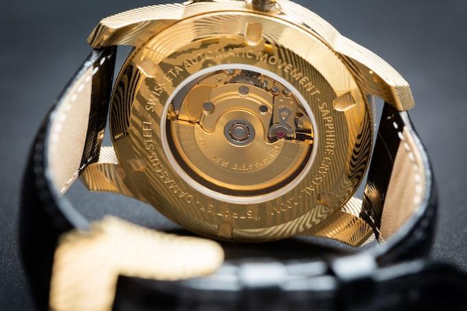 Gold Damascus caseback