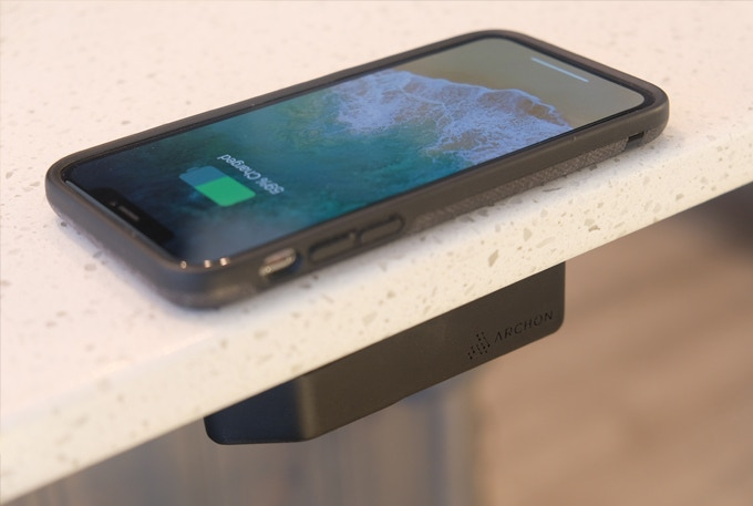 Archon Is Everything That You Love About Wireless Charging Minus The Annoying Drawbacks No More Table Clutter Bright Lights
