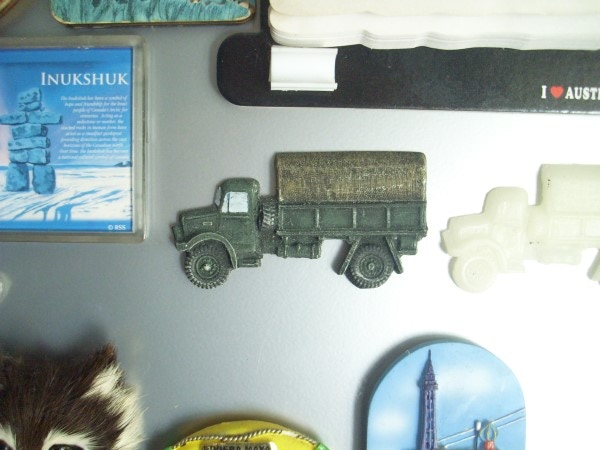 Fridge Magnet Bedford OYD in 1:72 scale. Approximately 5 mm thick and cast in relief. supplied unpainted.