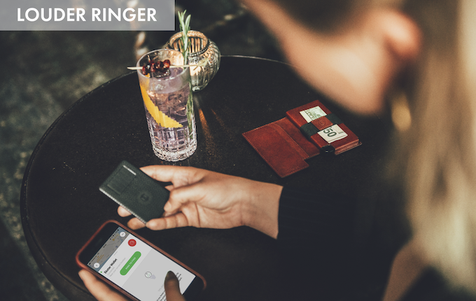 Double press the button on the tracker to sound an alert on your phone, even when on silent mode, or use the Chipolo app on your phone to sound a loud alert from your wallet. We've now doubled the ringer volume to make finding your wallet even easier!