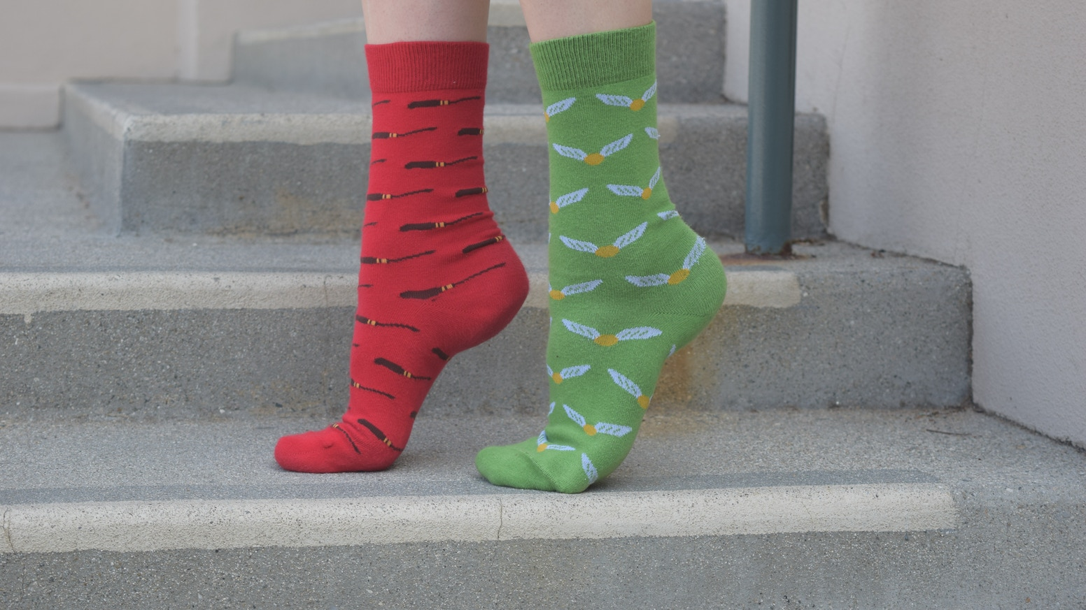 design inspired by a christmas gift from dobby the house elf in harry potter and the goblet of fire jacquard mens dress socks