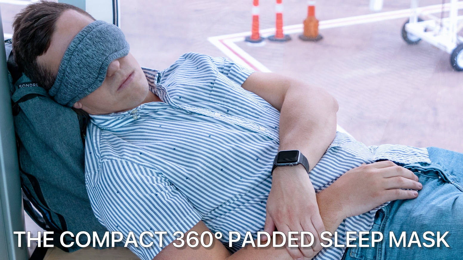 The compact & adjustable sleep mask with 360° microbead padding and water resistant carrying case for the best power nap anywhere!