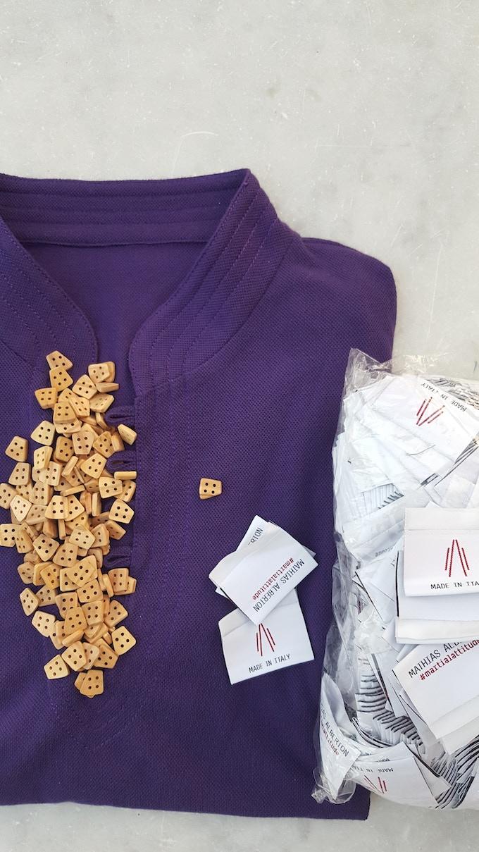 """Kimopolo """"Hong Kong"""" in colore test viola, bottoni in legno di ulivo e manifattura Made in Italy"""
