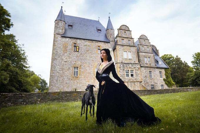 15th century Burgundian dress in silk velvet