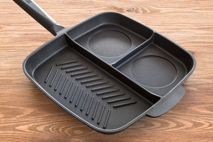 Grill + 2 Griddles - includes engraved egg and pancake circles