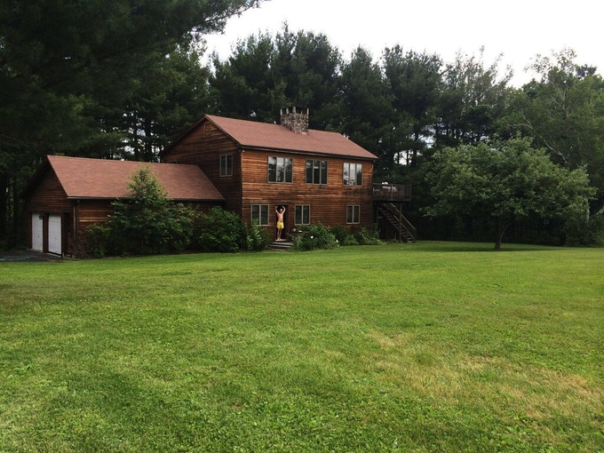 COUNTRY HOUSE GET-AWAY