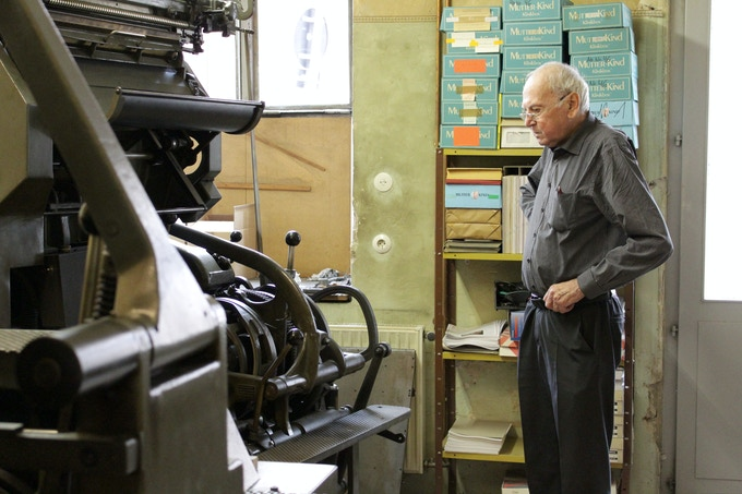 THE MAGIC OF LINOTYPE: SAVE AND RESTART A PRINTING LEGEND by