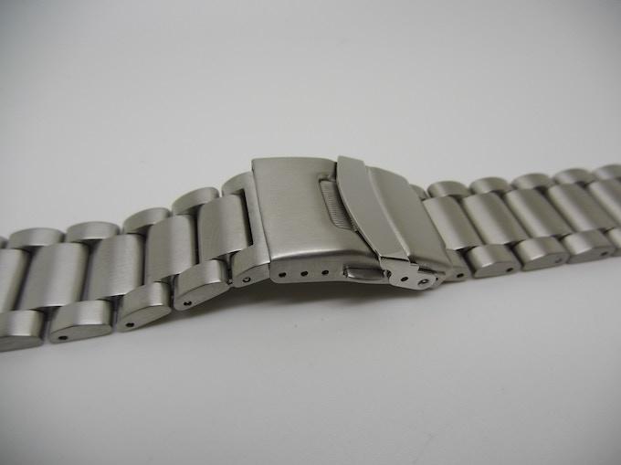 Link bracelet buckle