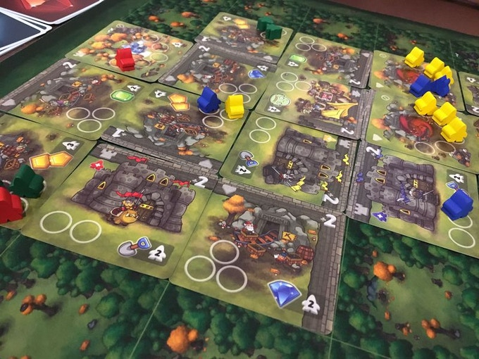 Posted by  karensoarele on BGG (Dwar7s Fall 1st Edition)