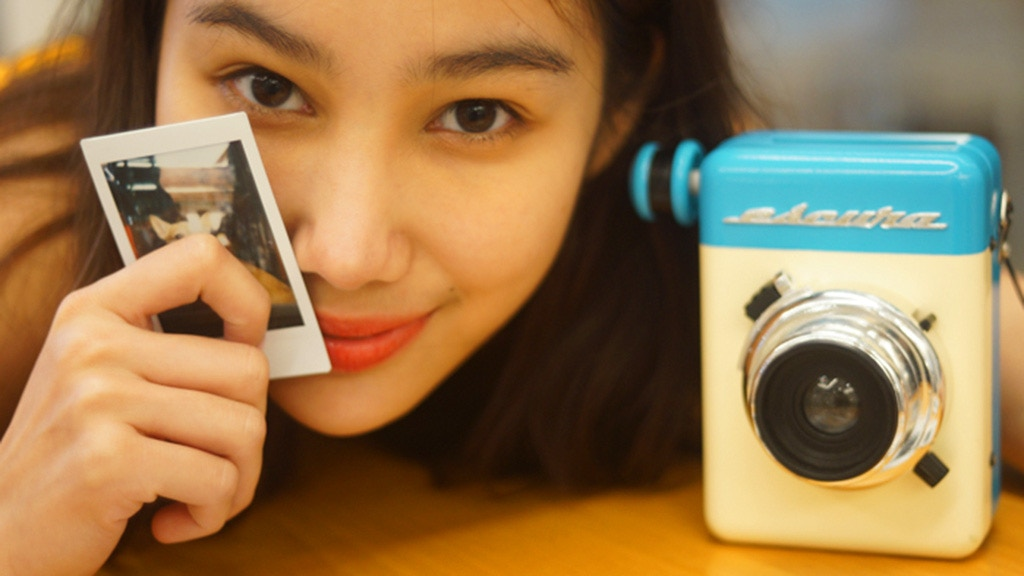 Escura Instant 60s   Hand-powered Instant Camera project video thumbnail