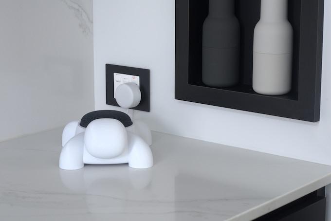 Smurtle's unique design neatly hides excess power cables