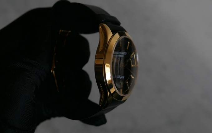 Gold - Black Dial
