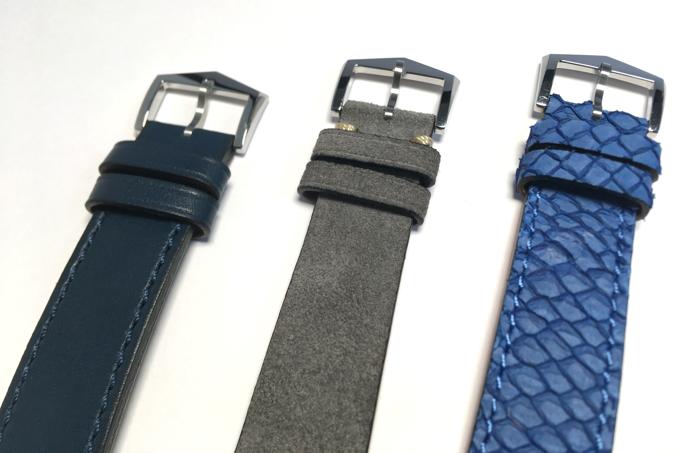 Trois option de bracelet: veau bleu, nubuck gris, saumon bleu