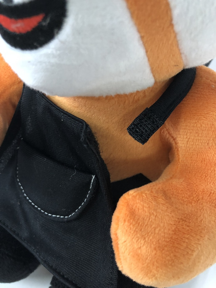 Finally, we've added in some velcro to the apron so it can be removable. Cubee doesn't have to go to work and be a bearista everyday! ;)