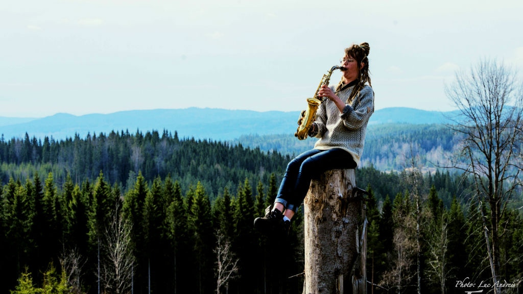 Help fund the saxophone player Erika Lindholm's debut album project video thumbnail