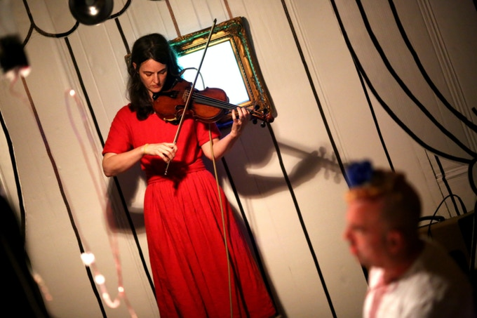 Dinner Music provided by the incomparable Catherine McRae.    photo: Paula Court