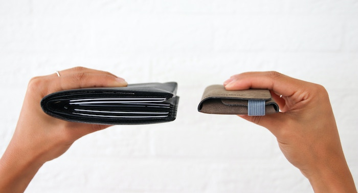 A small wallet that is expandable according to your needs.